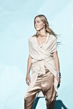 cardigan: Azurit |  baggy pants: Aragonit |  belt: Beryll 2 |  bracelet: Beryll